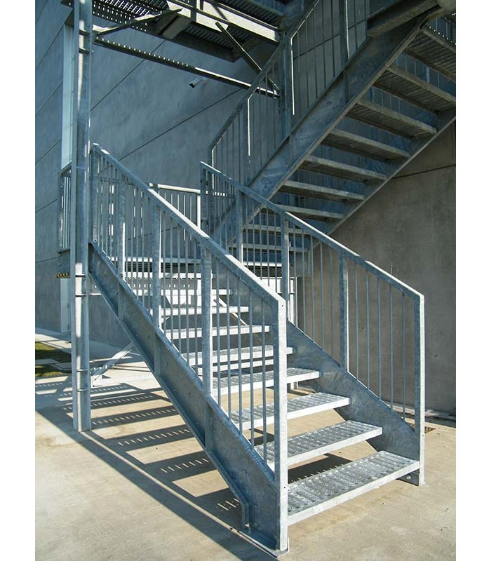 Scala sicurezza per esterno piemme scale snc - Scale da esterno prefabbricate ...
